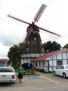 Jong-hun and... the windmill!